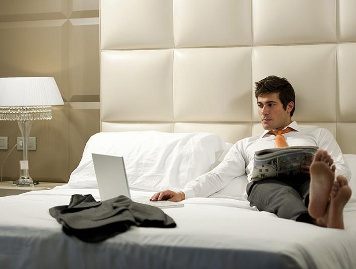 lozka i materacy dla hoteli